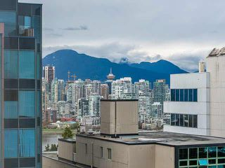 "Photo 13: 801 1068 W BROADWAY in Vancouver: Fairview VW Condo for sale in ""THE ZONE"" (Vancouver West)  : MLS®# V1079298"
