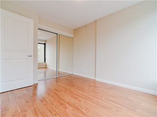 "Photo 8: 801 1068 W BROADWAY in Vancouver: Fairview VW Condo for sale in ""THE ZONE"" (Vancouver West)  : MLS®# V1079298"