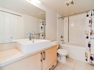 "Photo 9: 801 1068 W BROADWAY in Vancouver: Fairview VW Condo for sale in ""THE ZONE"" (Vancouver West)  : MLS®# V1079298"