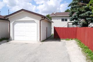 Photo 2: 59 Knotsberry Bay in Winnipeg: River Park South Single Family Detached for sale (2F)