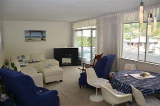 Photo 4: 405 1425 ESQUIMALT AVENUE in West Vancouver: Ambleside Condo for sale : MLS®# R2309749