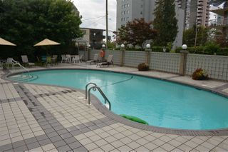 Photo 19: 405 1425 ESQUIMALT AVENUE in West Vancouver: Ambleside Condo for sale : MLS®# R2309749