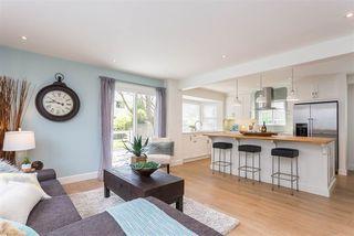 Photo 2: 20490 116 Avenue in Maple Ridge: Southwest Maple Ridge House for sale : MLS®# R2364379