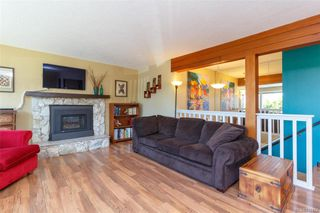 Photo 4: 1123 Munro St in Esquimalt: Es Saxe Point Half Duplex for sale : MLS®# 842474