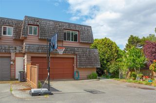 Photo 32: 1123 Munro St in Esquimalt: Es Saxe Point Half Duplex for sale : MLS®# 842474