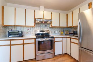 Photo 11: 1123 Munro St in Esquimalt: Es Saxe Point Half Duplex for sale : MLS®# 842474