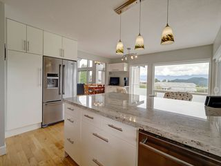 """Photo 10: 503 EAGLECREST Drive in Gibsons: Gibsons & Area House for sale in """"Oceanount Estates"""" (Sunshine Coast)  : MLS®# R2493447"""