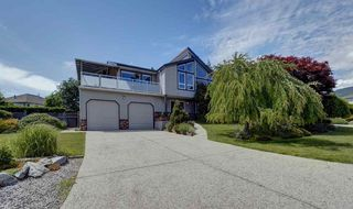 """Photo 1: 503 EAGLECREST Drive in Gibsons: Gibsons & Area House for sale in """"Oceanount Estates"""" (Sunshine Coast)  : MLS®# R2493447"""