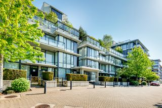"Main Photo: 512 9009 CORNERSTONE Mews in Burnaby: Simon Fraser Univer. Condo for sale in ""THE HUB"" (Burnaby North)  : MLS®# R2507886"