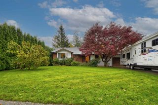 "Photo 1: 46194 GREENWOOD Drive in Chilliwack: Sardis East Vedder Rd House for sale in ""Sardis Park"" (Sardis)  : MLS®# R2517586"
