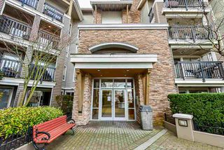 "Photo 2: 301 8915 202 Street in Langley: Walnut Grove Condo for sale in ""HAWTHORNE"" : MLS®# R2526896"