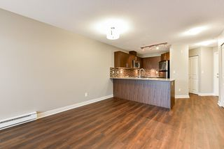 "Photo 10: 301 8915 202 Street in Langley: Walnut Grove Condo for sale in ""HAWTHORNE"" : MLS®# R2526896"
