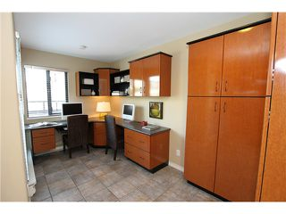 """Photo 3: 850 GREENCHAIN Street in Vancouver: False Creek Townhouse for sale in """"HEATHER POINT"""" (Vancouver West)  : MLS®# V946161"""
