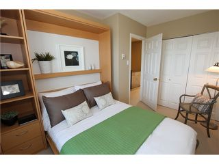 """Photo 8: 850 GREENCHAIN Street in Vancouver: False Creek Townhouse for sale in """"HEATHER POINT"""" (Vancouver West)  : MLS®# V946161"""