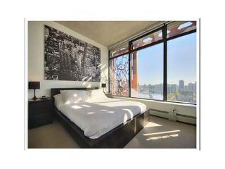 "Photo 5: 2510 128 W CORDOVA Street in Vancouver: Downtown VW Condo for sale in ""WOODWARDS W43"" (Vancouver West)  : MLS®# V969806"