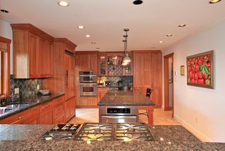 Photo 5: 4175 ST MARYS Avenue in North Vancouver: Upper Lonsdale House for sale : MLS®# V980025
