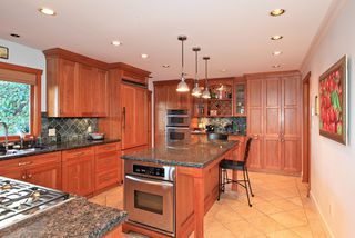 Photo 3: 4175 ST MARYS Avenue in North Vancouver: Upper Lonsdale House for sale : MLS®# V980025