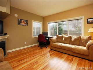 Photo 5: 101 937 Skogstad Way in VICTORIA: La Langford Proper Row/Townhouse for sale (Langford)  : MLS®# 643559