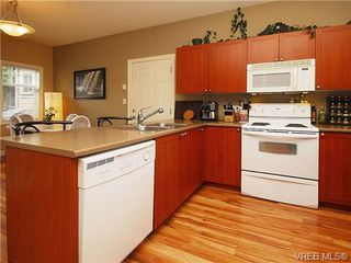 Photo 8: 101 937 Skogstad Way in VICTORIA: La Langford Proper Row/Townhouse for sale (Langford)  : MLS®# 643559