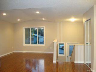 Photo 5: 363 RUTLAND Street in WINNIPEG: St James Residential for sale (West Winnipeg)  : MLS®# 1315826