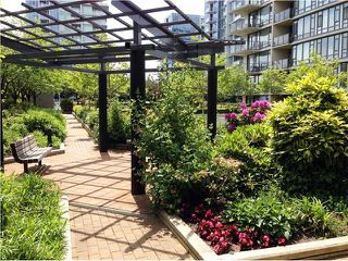 Photo 15: # 709 6888 ALDERBRIDGE WY in Richmond: Brighouse Condo for sale : MLS®# V1066873