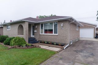 Photo 2: 74 Crestwood Crescent in Winnipeg: Single Family Detached for sale (Windsor Park)  : MLS®# 1420448