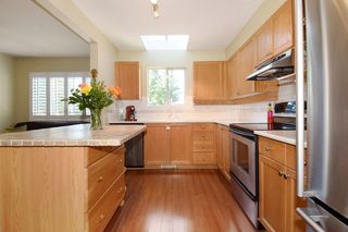 Photo 8: 60 DEERWOOD PLACE in PORT MOODY: Heritage Mountain Townhouse for sale (Port Moody)  : MLS®# R2005385