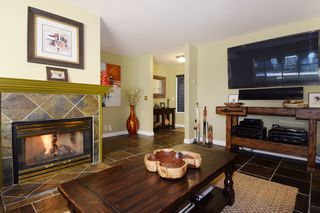 Photo 4: 60 DEERWOOD PLACE in PORT MOODY: Heritage Mountain Townhouse for sale (Port Moody)  : MLS®# R2005385