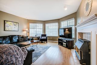Photo 3: 19726 CEDAR LANE in Pitt Meadows: Mid Meadows House for sale : MLS®# R2262720