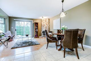 Photo 5: 19726 CEDAR LANE in Pitt Meadows: Mid Meadows House for sale : MLS®# R2262720