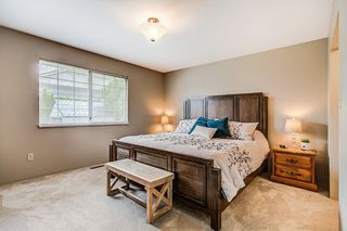 Photo 10: 19726 CEDAR LANE in Pitt Meadows: Mid Meadows House for sale : MLS®# R2262720