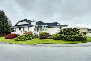 Photo 16: 19726 CEDAR LANE in Pitt Meadows: Mid Meadows House for sale : MLS®# R2262720