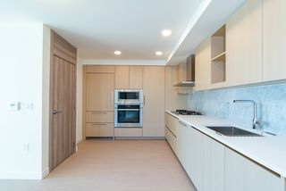 Photo 3: 820 455 SW MARINE Drive in Vancouver: Marpole Condo for sale (Vancouver West)  : MLS®# R2405393