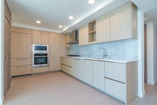 Photo 6: 820 455 SW MARINE Drive in Vancouver: Marpole Condo for sale (Vancouver West)  : MLS®# R2405393