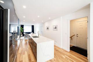 Photo 5: 11218 72 Avenue in Edmonton: Zone 15 House Half Duplex for sale : MLS®# E4191392