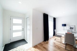 Photo 2: 11218 72 Avenue in Edmonton: Zone 15 House Half Duplex for sale : MLS®# E4191392