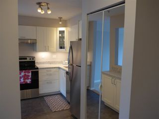 "Photo 11: 311 13780 76 Avenue in Surrey: East Newton Condo for sale in ""Earls Court"" : MLS®# R2449876"