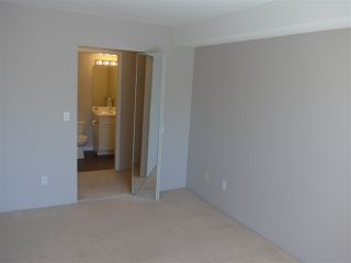 "Photo 7: 311 13780 76 Avenue in Surrey: East Newton Condo for sale in ""Earls Court"" : MLS®# R2449876"