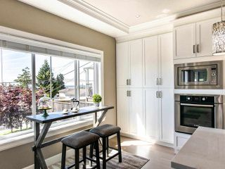 Photo 12: 2350 BONACCORD Drive in Vancouver: Fraserview VE House for sale (Vancouver East)  : MLS®# R2468026