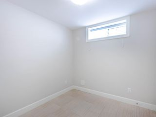 Photo 31: 2350 BONACCORD Drive in Vancouver: Fraserview VE House for sale (Vancouver East)  : MLS®# R2468026