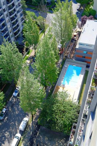 "Photo 26: 2001 1330 HARWOOD Street in Vancouver: West End VW Condo for sale in ""Westsea Towers"" (Vancouver West)  : MLS®# R2481214"