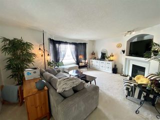 Photo 2: 36 1295 CARTER CREST Road in Edmonton: Zone 14 Townhouse for sale : MLS®# E4211914