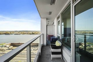 "Photo 4: 1607 668 COLUMBIA Street in New Westminster: Quay Condo for sale in ""TRAPP + HOLBROOK"" : MLS®# R2515895"