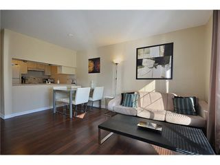 "Photo 3: 204 929 W 16TH Avenue in Vancouver: Fairview VW Condo for sale in ""OAKVIEW GARDENS"" (Vancouver West)  : MLS®# V938331"
