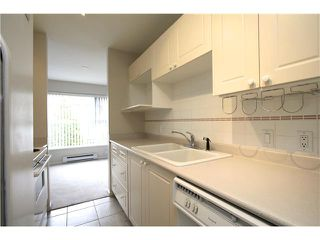 """Photo 5: 307 511 W 7TH Avenue in Vancouver: Fairview VW Condo for sale in """"Beverly Gardens"""" (Vancouver West)  : MLS®# V967522"""