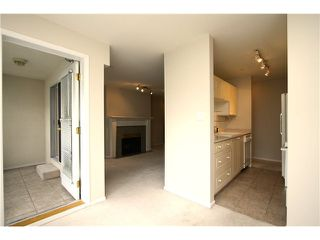 """Photo 4: 307 511 W 7TH Avenue in Vancouver: Fairview VW Condo for sale in """"Beverly Gardens"""" (Vancouver West)  : MLS®# V967522"""