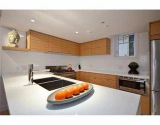 Photo 2: 1060 CARDERO Street in Vancouver: West End VW Townhouse for sale (Vancouver West)  : MLS®# V969678