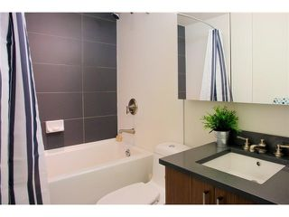 "Photo 3: # 905 251 E 7TH AV in Vancouver: Mount Pleasant VE Condo for sale in ""DISTRICT"" (Vancouver East)  : MLS®# V1009700"