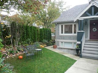Photo 2: 301 East 18th Avenue in Vancouver: Home for sale : MLS®# V794683