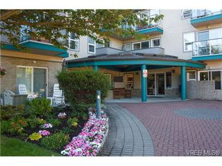Photo 2: 103 1485 Garnet Road in VICTORIA: SE Cedar Hill Condo Apartment for sale (Saanich East)  : MLS®# 340063